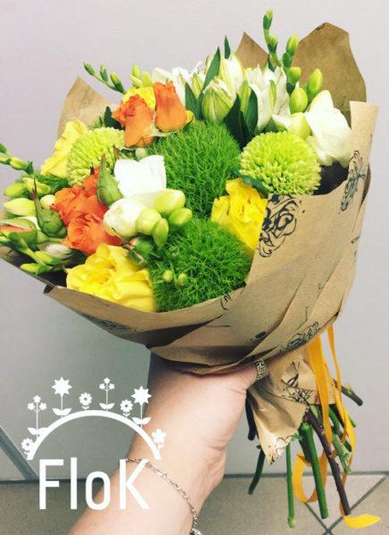 Хризантемы, фрезия, роза, роза кустовая, альстромерия