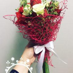 Амариллис, роза кустовая, зелень